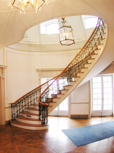 Floating staircase of Hayfield House