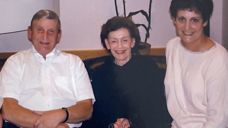 Robert and Shirley Fortinsky with their daughter, Jill Schwartz.