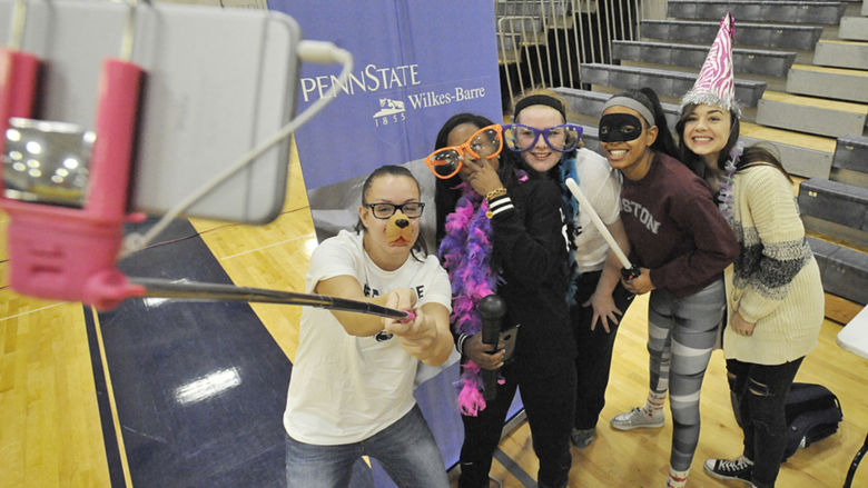 Students and staff participate in the 2015 Mental Health Awareness Day